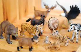 """""""Das Werben des kleinen Löwen"""" – psychodramatische Teilearbeit mit Tierfiguren bei Kindern im Trennungs-/Scheidungskonflikt."""